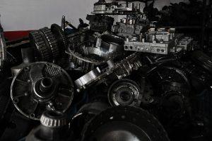 Skąd brać używane części samochodowe?